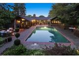 Casa Unifamiliar por un Venta en Rare Opportunity in Coveted Ross 12 Woodside Way Ross, California 94957 Estados Unidos