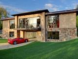 Casa Unifamiliar for sales at A Modern Hideaway Undisclosed Ave Bellevue, Washington 98004 Estados Unidos