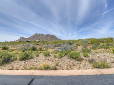 Terreno for sales at Prime North Scottsdale 2.5 Acre Lot in Gated Subdivision of Yearling Estates 26125 N 116th St #10 Scottsdale, Arizona 85255 Stati Uniti