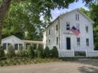 Einfamilienhaus for  rentals at Rental in the Heart of Essex 10 Bank Lane Essex, Connecticut 06426 Vereinigte Staaten