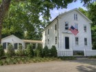 Vivienda unifamiliar for  rentals at Rental in the Heart of Essex 10 Bank Lane Essex, Connecticut 06426 Estados Unidos