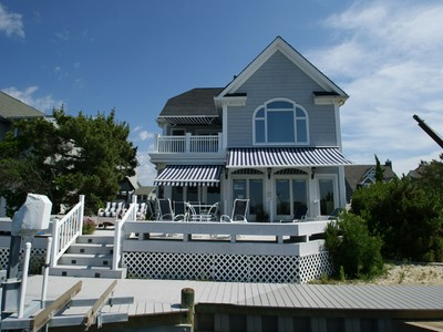 Maison unifamiliale for sales at Spectacular Bayfront 261 Harbor Court Normandy Beach, New Jersey 08739 United States