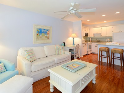 Copropriété for sales at Waterfront Condominium at Ocean Reef 15 Anchor Drive Unit B  Ocean Reef Community, Key Largo, Florida 33037 États-Unis