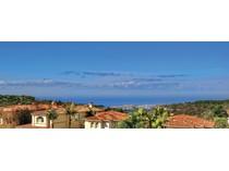 Nhà ở một gia đình for sales at 19 Silver Pine    Newport Coast, California 92657 Hoa Kỳ