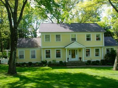 Maison unifamiliale for sales at Blueberry Hill Colonial 59 Blueberry Lane Bridgewater, Connecticut 06752 États-Unis