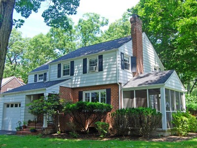 단독 가정 주택 for sales at Colonial in Perfect Setting 222 Foss Drive  Upper Nyack, 뉴욕 10960 미국