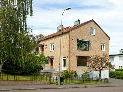 Einfamilienhaus for sales at Unique functionalism by renowned architect Bögatan 32 Gothenburg, Vastra Gotaland 41272 Schweden