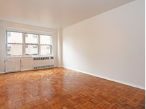 Coopérative for sales at Renovated, Bright & Large Alcove Studio 166 East 35th Street 10C  Murray Hill, New York, New York 10016 États-Unis