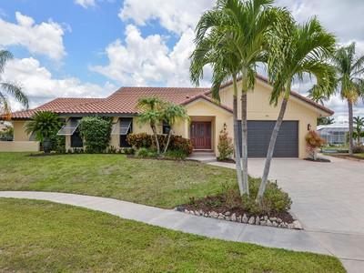 Villa for sales at MARCO ISLAND - BALSAM COURT 489  Balsam Ct Marco Island, Florida 34145 Stati Uniti