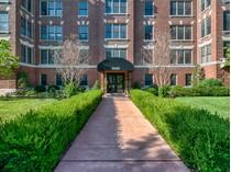 Copropriété for sales at Oone of the CWE's most fabulous penthouses 4540 Lindell #504   St. Louis, Missouri 63108 États-Unis