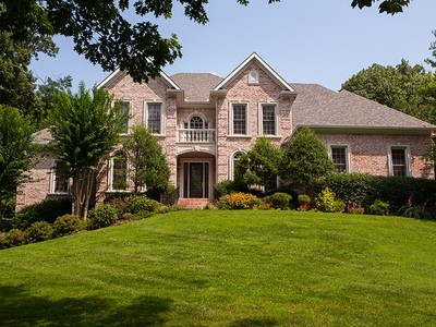 Single Family Home for  at 23 Park Meadows  Nashville, Tennessee 37215 United States