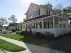 Villa for  sales at 150 Merwin Avenue  Milford, Connecticut 06460 Stati Uniti