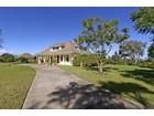 Villa for  sales at Gracious and Inviting Hawaiian Territorial Architecture 94 Kawehi Place Kula, Hawaii 96790 Stati Uniti