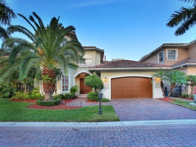 Maison unifamiliale for sales at 1475 Windjammer Way  Hollywood, Florida 33019 États-Unis