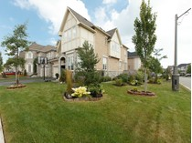 Casa Unifamiliar for sales at Prestigious Lakeshore Woods 400 Nautical Blvd.   Oakville, Ontario L6L6W7 Canadá