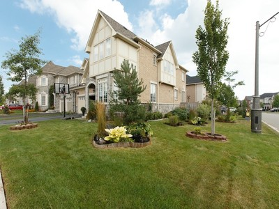Single Family Home for sales at Prestigious Lakeshore Woods 400 Nautical Blvd. Oakville, Ontario L6L6W7 Canada