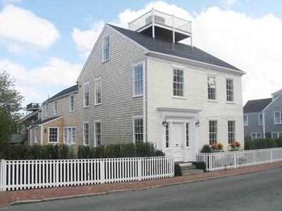 단독 가정 주택 for sales at In Town Antique 82 Orange Street  Nantucket, 매사추세츠 02554 미국