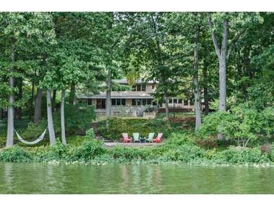 Casa Unifamiliar for sales at A Modern Lakeside Masterpiece 541 Lake Drive Princeton, Nueva Jersey 08540 Estados Unidos