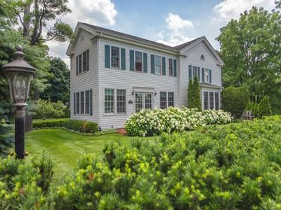 Vivienda unifamiliar for sales at Bloomfield 3727 Franklin Road Bloomfield, Michigan 48302 Estados Unidos
