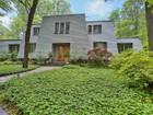 独户住宅 for  sales at 2 Rocky Top Court  Holmdel, 新泽西州 07733 美国