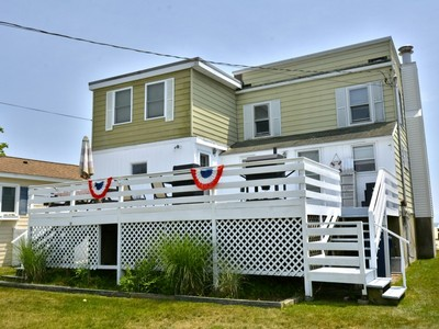 Vivienda unifamiliar for sales at Your Own Sandy Beach 39 Seaside Lane Old Lyme, Connecticut 06371 Estados Unidos