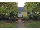 獨棟家庭住宅 for  sales at Lovely Cape Style Home 25 Hollywood Road   Winchester, 麻塞諸塞州 01890 美國