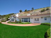 獨棟家庭住宅 for sales at 8 Ringbit Road E    Rolling Hills, 加利福尼亞州 90274 美國