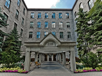 Eigentumswohnung for sales at Montreal 2333 Rue Sherbrooke O., apt. 208 Montreal, Quebec H3H2T6 Kanada