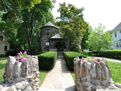 단독 가정 주택 for sales at Enchanting 1899 Victorian Home 141 Beacon Street  Boston, 매사추세츠 02136 미국