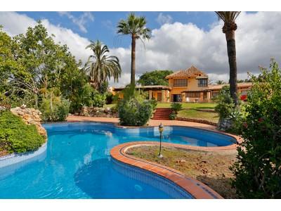 Частный односемейный дом for sales at Spectacular residence Marbella East Marbella, Андалусия 29600 Испания