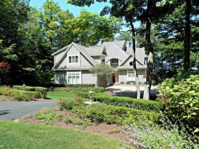 獨棟家庭住宅 for sales at 5092 Wildwinds Drive  Petoskey, 密歇根州 49770 美國