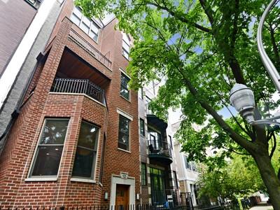 Piso for sales at Enormous Brick Duplex 1520 N Cleveland Avenue Unit 1 Chicago, Illinois 60610 Estados Unidos