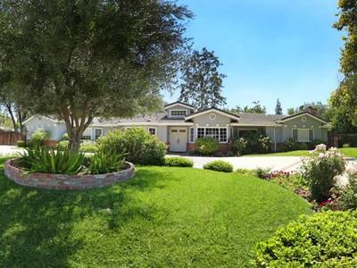 Moradia for sales at 23522 Tiara Street   Woodland Hills, Califórnia 91367 Estados Unidos