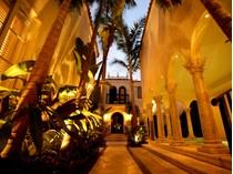 Maison unifamiliale for sales at 1350 Collins Ave.    Miami Beach, Florida 33139 États-Unis