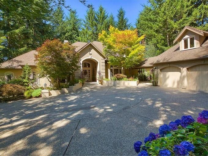 Single Family Home for sales at Canterwood Chataeu 13305 Bracken Fern Dr NW Gig Harbor, Washington 98332 United States