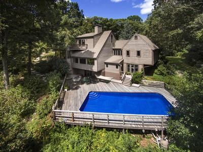 Nhà ở một gia đình for sales at Three Corners Rd 91 Three Corners Rd  Guilford, Connecticut 06437 Hoa Kỳ