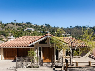 Single Family Home for  at Spectacular Hiller Highlands Home Better Than New 6920 Charing Cross Rd Berkeley, California 94705 United States