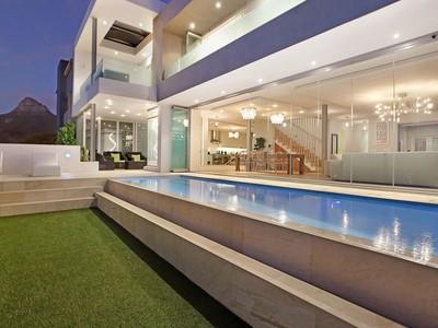 獨棟家庭住宅 for sales at Villa  Cape Town, 西開普省 8005 南非