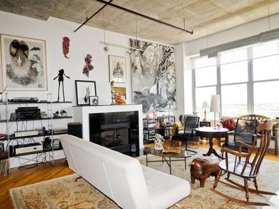Condominio for sales at West Loop Loft! 933 W Van Buren St Unit 912 Chicago, Illinois 60607 Stati Uniti