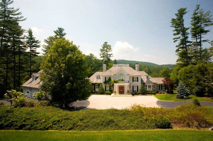 Single Family Home for sales at DesChamps 135 Hummingbird Lane Highlands, North Carolina 28741 United States