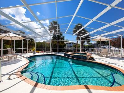 Maison unifamiliale for sales at BIMINI BAY ESTATES 231  Willow Ave Anna Maria, Florida 34216 United States