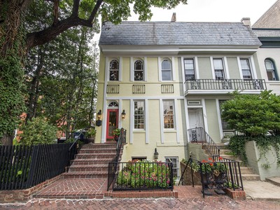 Townhouse for sales at Old Town: 709 Prince Street  Alexandria, Virginia 22314 United States
