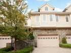 Stadthaus for sales at Gorgeous Townhouse 16 Kensington Court  Tenafly, New Jersey 07670 Vereinigte Staaten