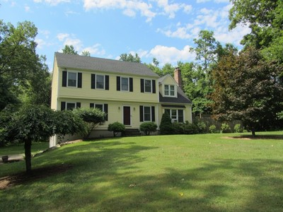 Single Family Home for sales at Just move in! 4 Vienna Lane Clinton, Connecticut 06413 United States
