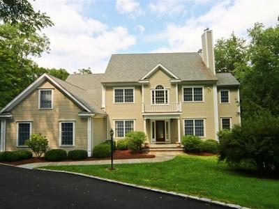 Casa para uma família for sales at Impeccable Custom Built Home 21 Oneill Court  Ridgefield, Connecticut 06877 Estados Unidos