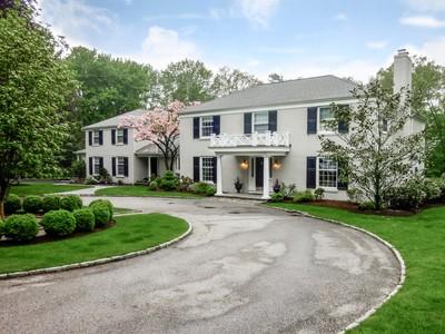 獨棟家庭住宅 for sales at Elegant Georgian Colonial 385 Middlesex Road Darien, 康涅狄格州 06820 美國