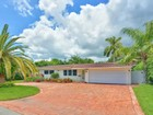 Einfamilienhaus for sales at 2401 NE 22 Terrace  Fort Lauderdale, Florida 33305 Vereinigte Staaten