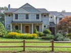 Maison unifamiliale for sales at Wonderful Beverly Farms location 4 Farms Lane  Beverly, Massachusetts 01915 États-Unis