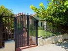 Nhà ở một gia đình for sales at 1843 S Highland Ave  Los Angeles, California 90019 Hoa Kỳ