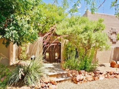 Casa para uma família for sales at Tranquil, Classic, Southwestern Retreat 20 Ridgecrest Drive  Sedona, Arizona 86351 Estados Unidos